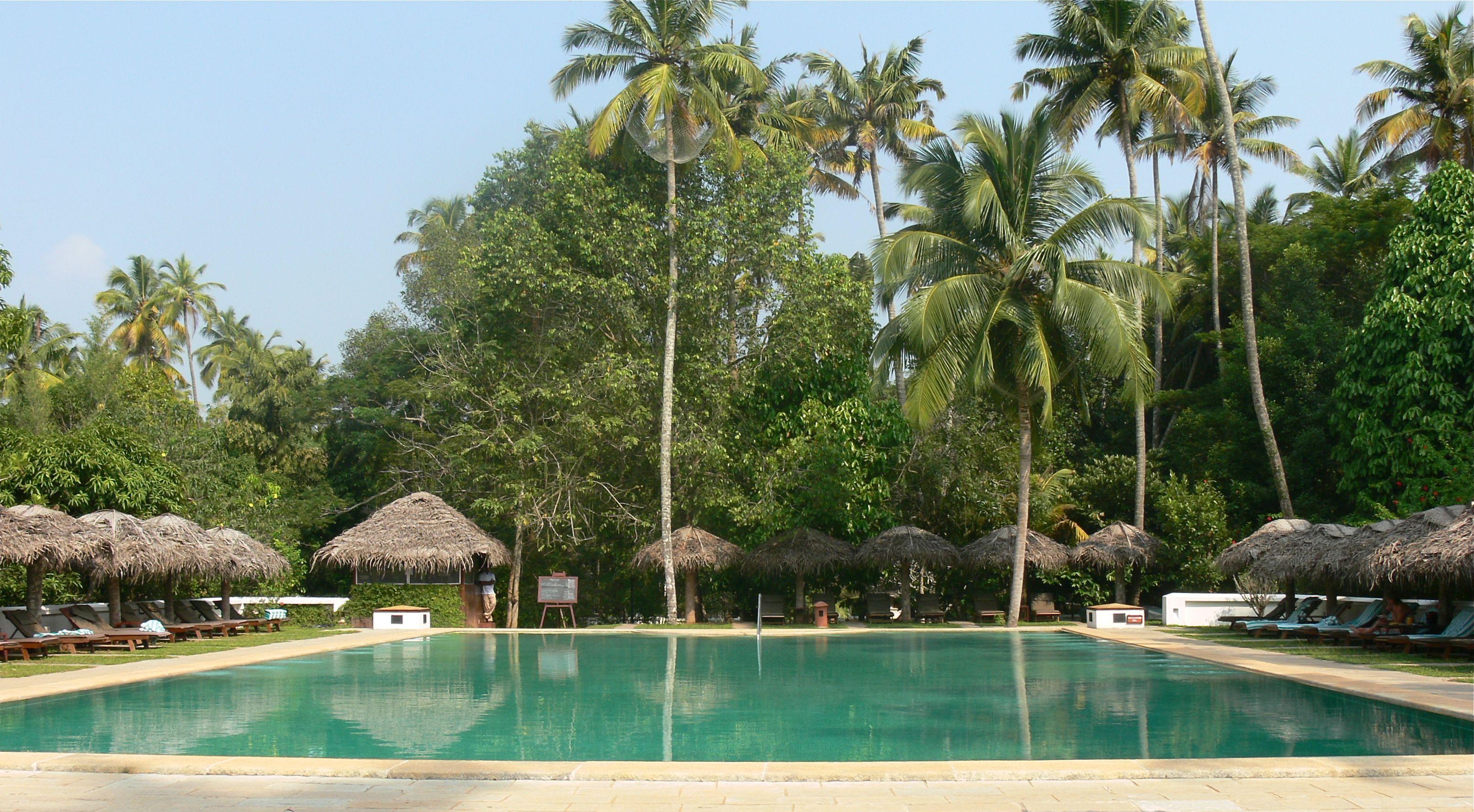 Marari beach resort gwiltypleasures for Small luxury hotel 7 little words